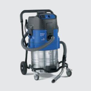 Industrie-Sauger<br>z.B. Attix 751-11 <br>- Kesselinhalt 70 lt. <br>- Motorleistung 1500 W <br>- Luftmenge 3600lt./Min. <br>- Vakuum 230mbar