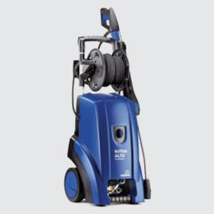 Hochdruckreiniger<br>z.B. Poseidon 3-40 XT <br>- Pumpendruck 170 bar <br>- Wassermenge 750 lt. / Std.  <br>- Spannung 400 Volt  <br>- Leistung 4.2 kW